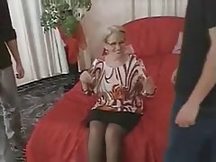 Blowjob Cumshot German Granny Threesome