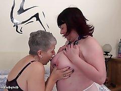 Big Boobs Cunnilingus Lesbian Mature