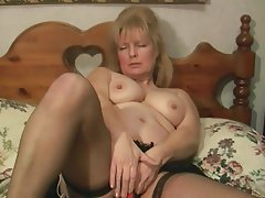 Masturbation Mature MILF Pantyhose